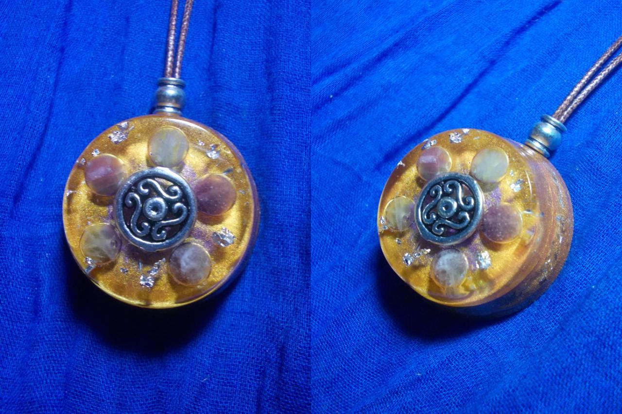 Orgonite pendentif ' Hine o'aka pililiko 'mini