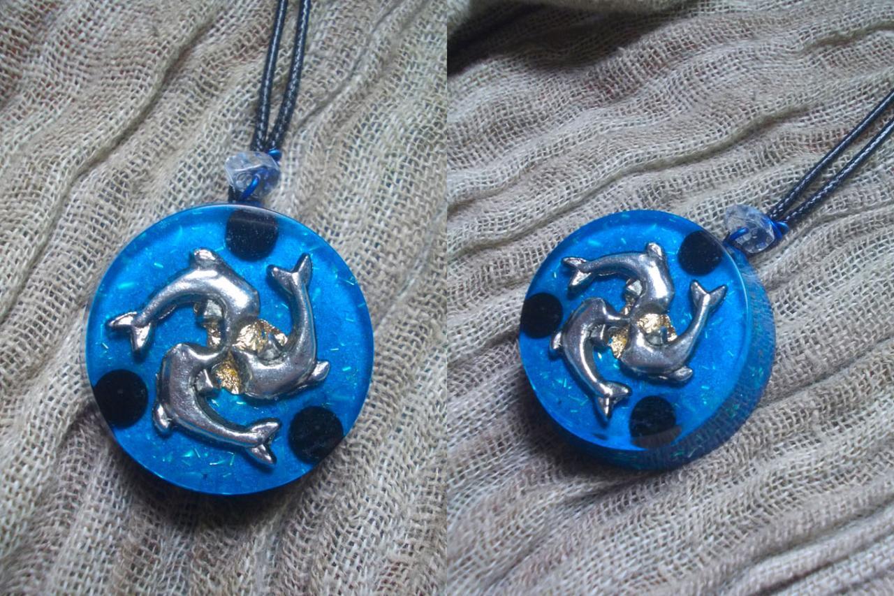 Orgonite pendentif ' Tridelphî '
